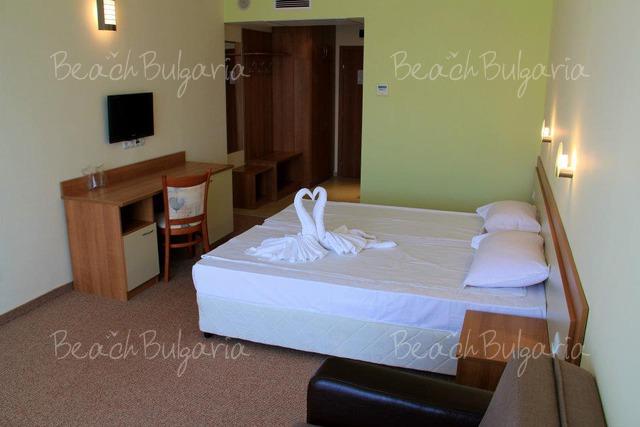 Хотел Риагор8