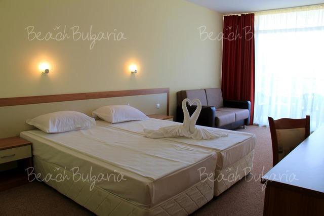 Хотел Риагор9