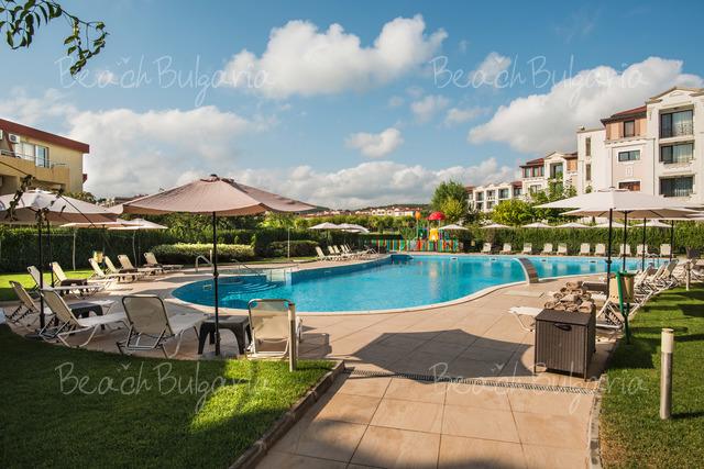 Хотел Мирамар5