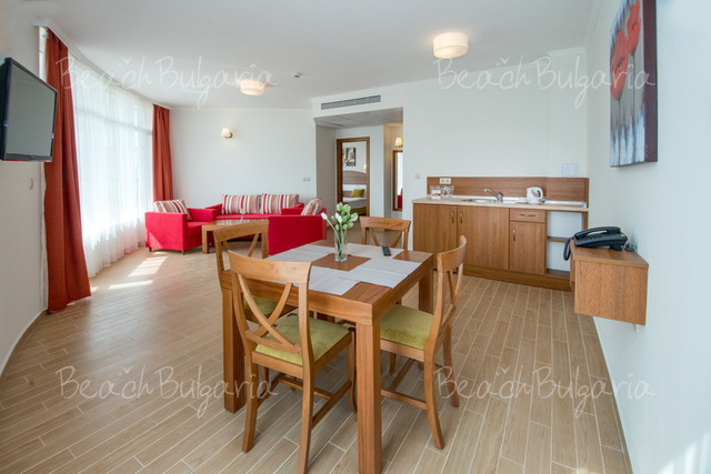 Хотел Мирамар10