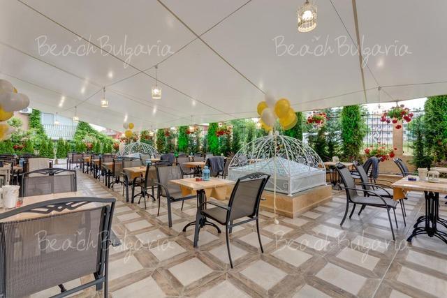 Хотел Сиена Палас11