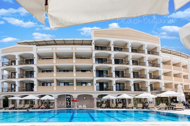 Хотел Сиена Палас18