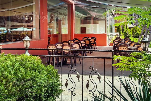 Хотел Арония Бийч18