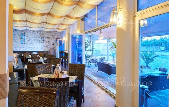 Хотел Регата11