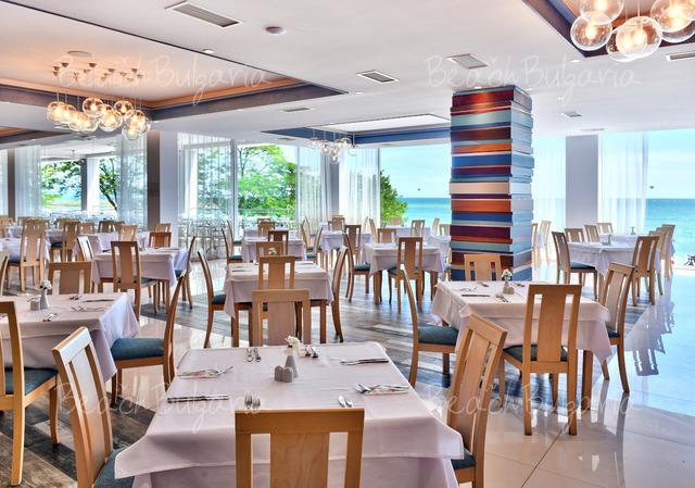 Хотел Grifid Encanto Beach17