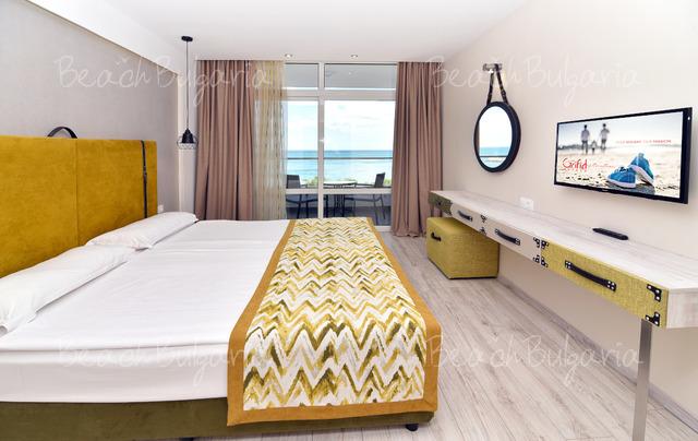 Хотел Grifid Encanto Beach7