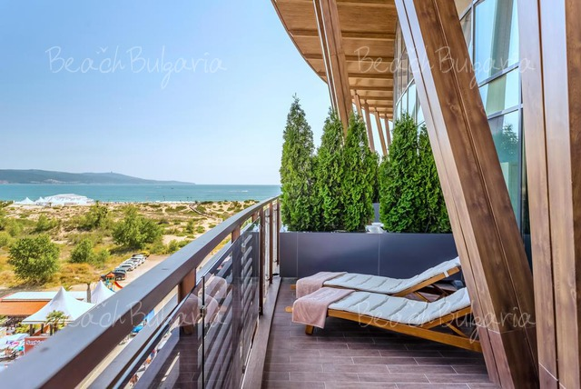 Хотел Galeon Residence & Spa23