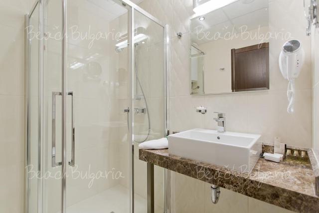 Хотел Galeon Residence & Spa9