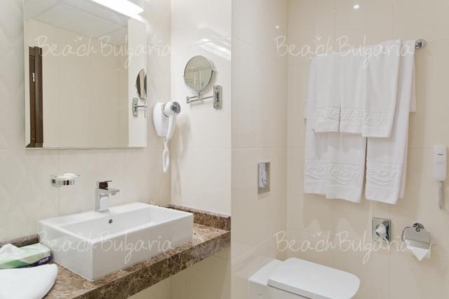 Хотел Galeon Residence & Spa10