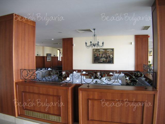 Хотел Ривиера Бийч10