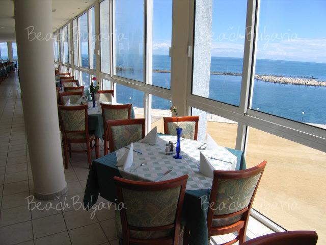 Хотел Долфин Марина19