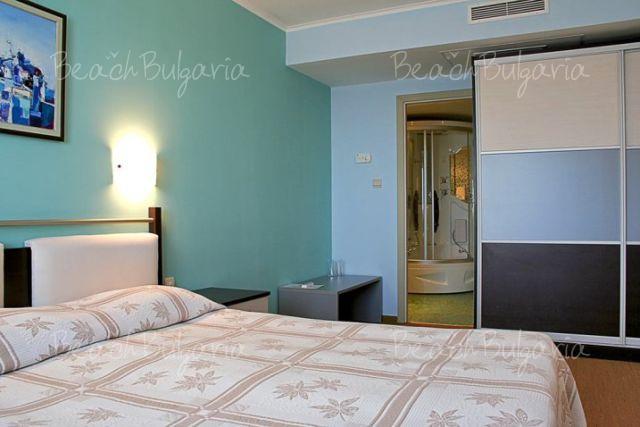 Хотел Аква 5