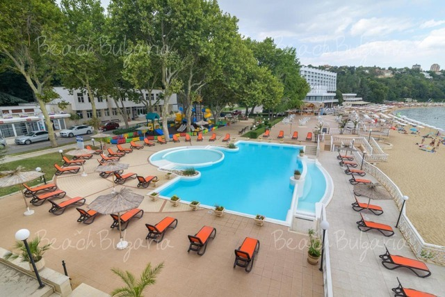 Хотел Марина 4