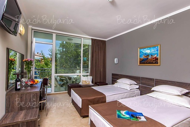 Хотел Нептун Бийч 11