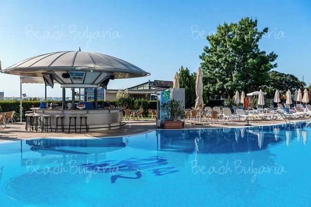 Хотел Нептун Бийч 7