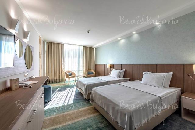 Хотел Нептун Бийч 9