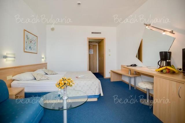 Хотел Гранд Виктория8