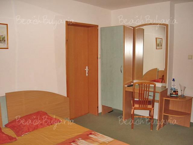 Хотел Амфора7