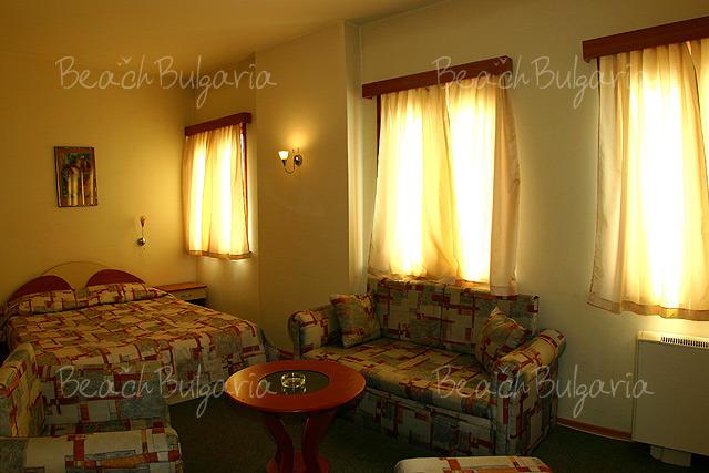 Хотел Булаир 9