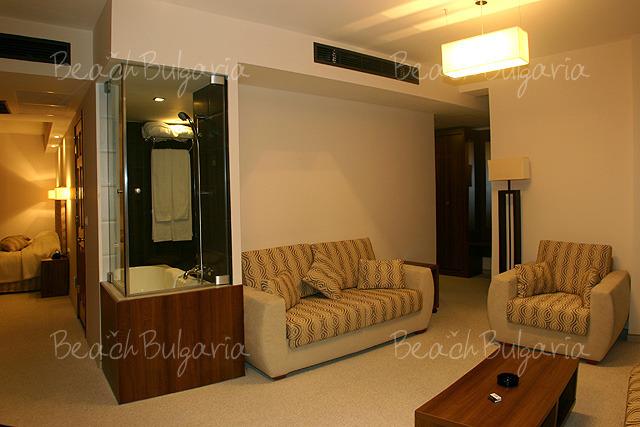 Хотел Бургас 7