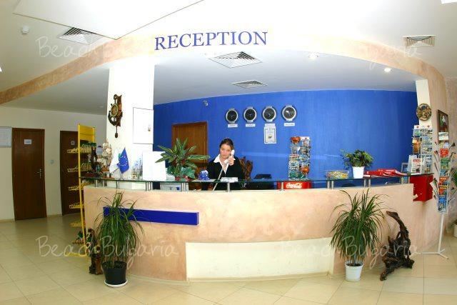 Хотел Съни2