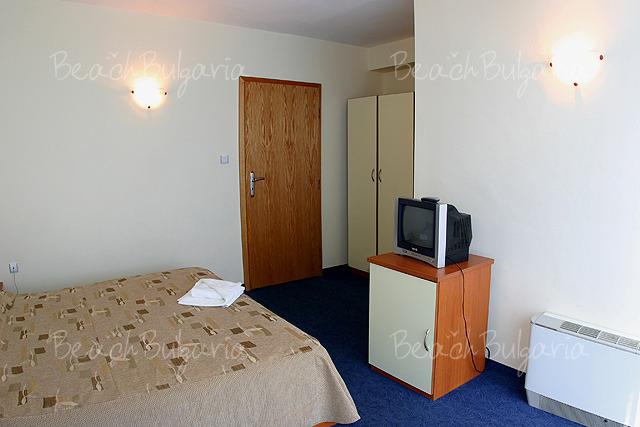 Хотел Форс 8