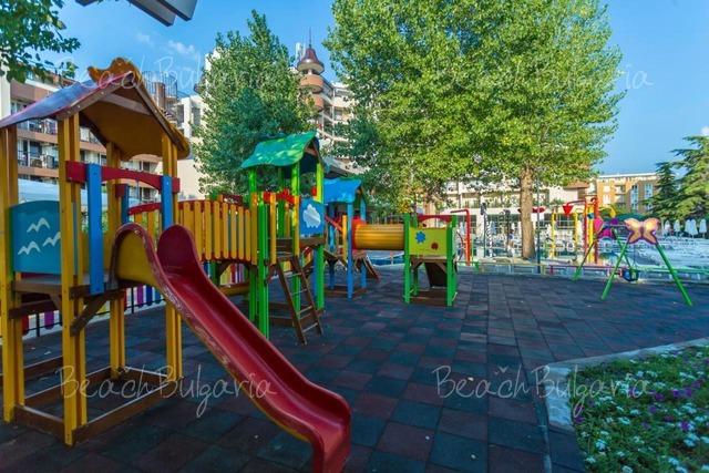 Хотел Империал16
