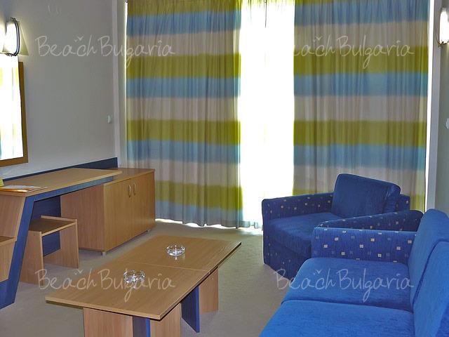Хотел Зорница Сендс12