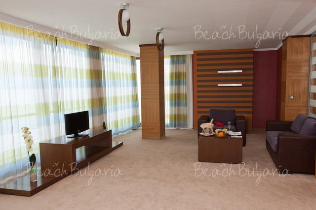 Хотел Зорница Сендс21